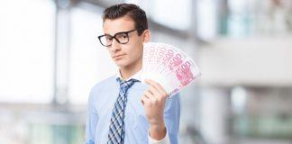 Businessmann mit Geld